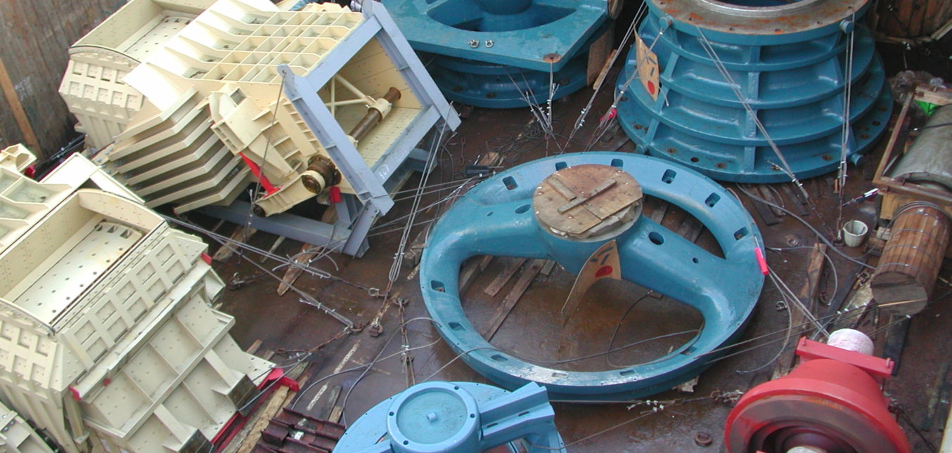 Stowage planning. Loading, discharging, lashing and securing supervising